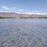 lac de montagne au Kirghizistan