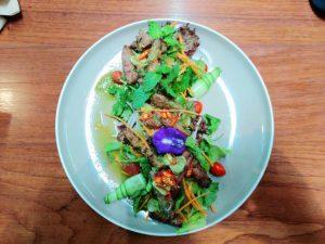 salade de porc grillé