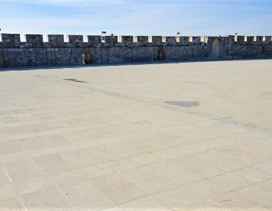 """Jerusalem et Petra remparts de l""""esplanade des mosquees"""