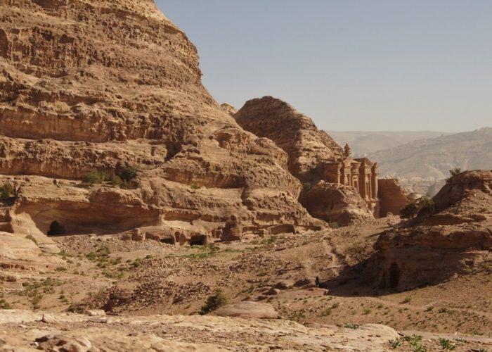 vue sur le monastere Jerusalem et Petra