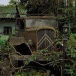 vieux camion à l'abandon