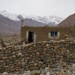 maison traditionelle dans les montagne tadjiks